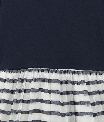 Glitzerndes Kleid im Material Mix