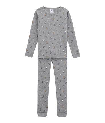Eng anliegender Jungen Schlafanzug