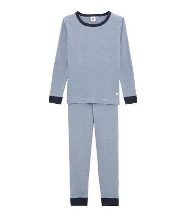 Eng anliegender Jungen-Schlafanzug